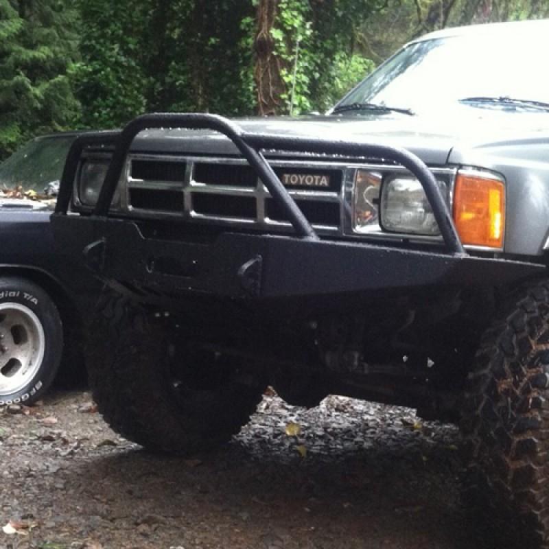 1987 toyota pickup 4x4 front bumper